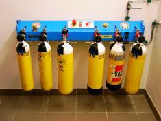 Füllleiste Atemluftflaschen