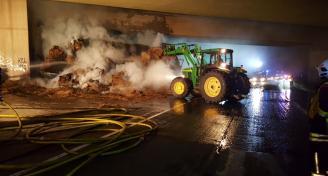 Einsatz 2017-08-25 Brand eines Anhaengers Bild2