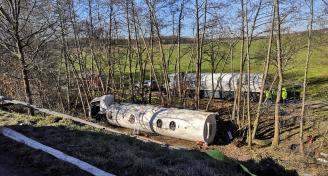 Einsatz 2019-02-15 VU LKW mit Gefahrgut Bild2