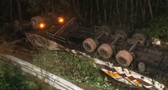 Einsatz LKW Unfall BAB8
